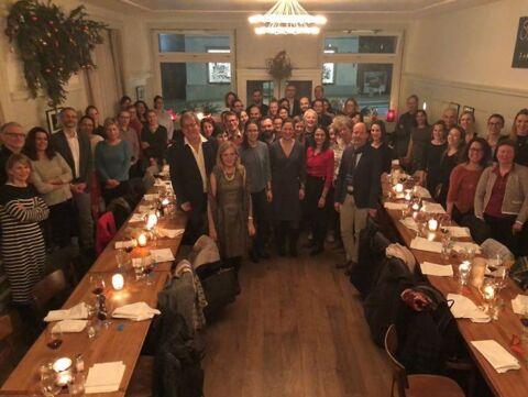 Endokrinologie Gruppenfoto beim Abendessen