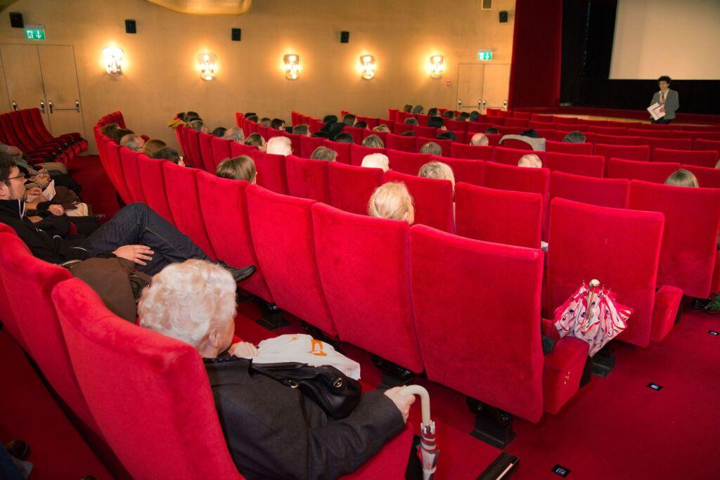 Ein gefüllter Kinosaal