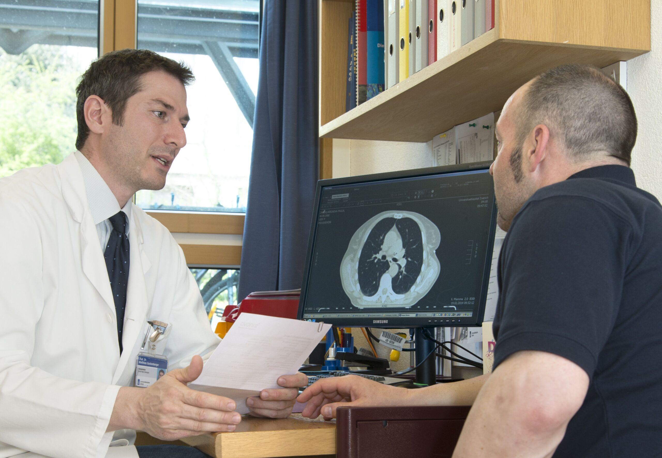 Erstgespräch Arzt mit Patient