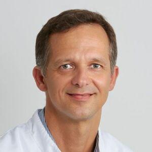 Dr med Hansjörg Vees