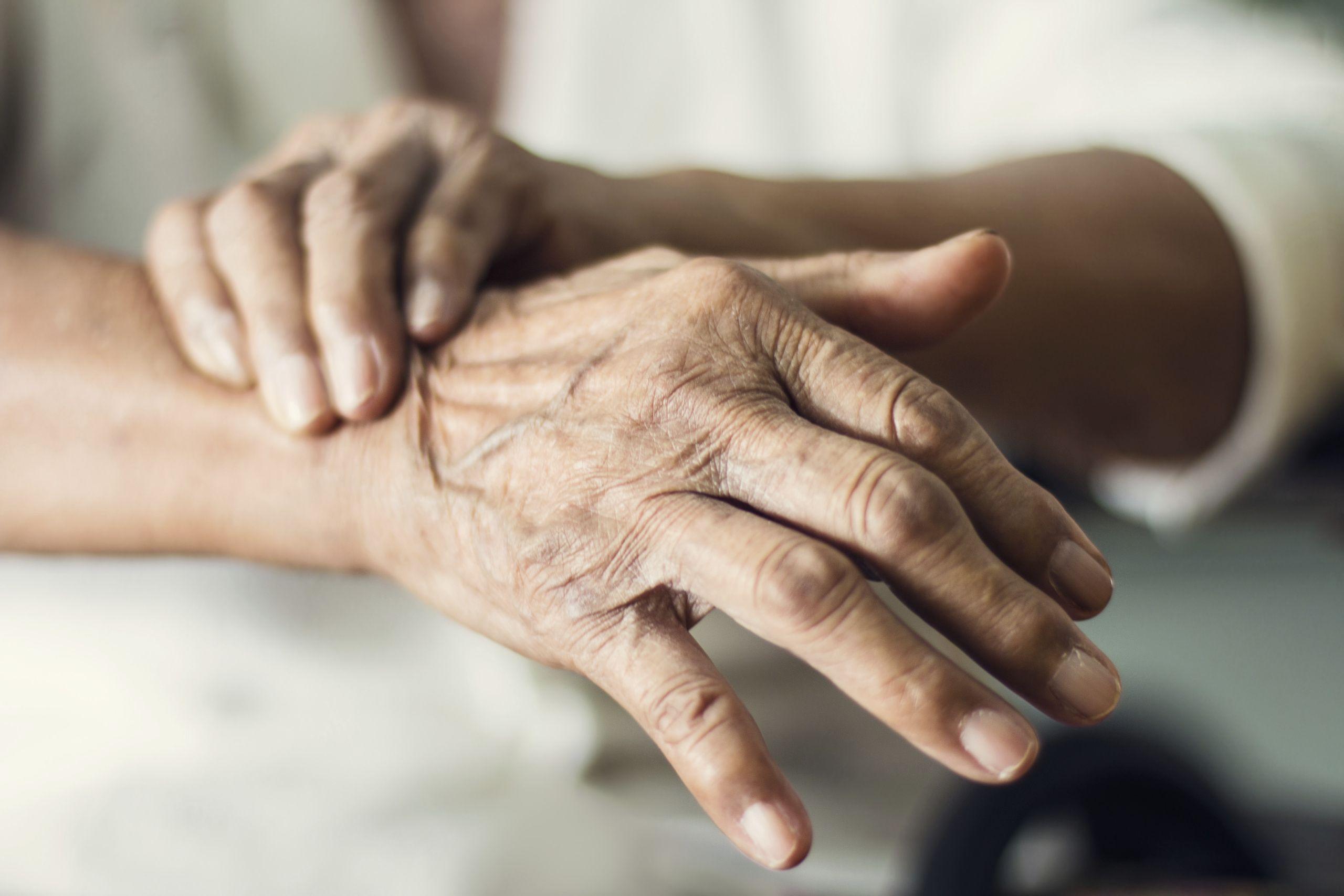 Handgelenke einer Frau