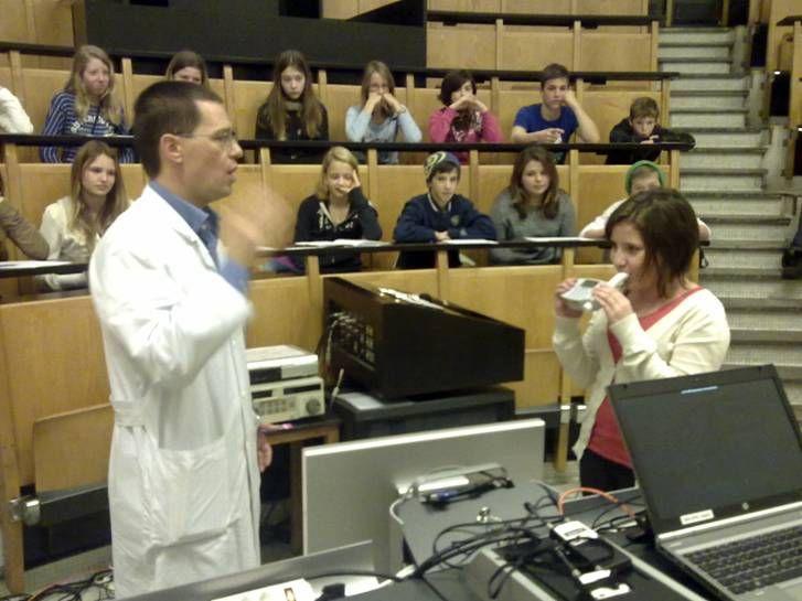 Schüler an einer Rauchpräventions-Veranstaltung