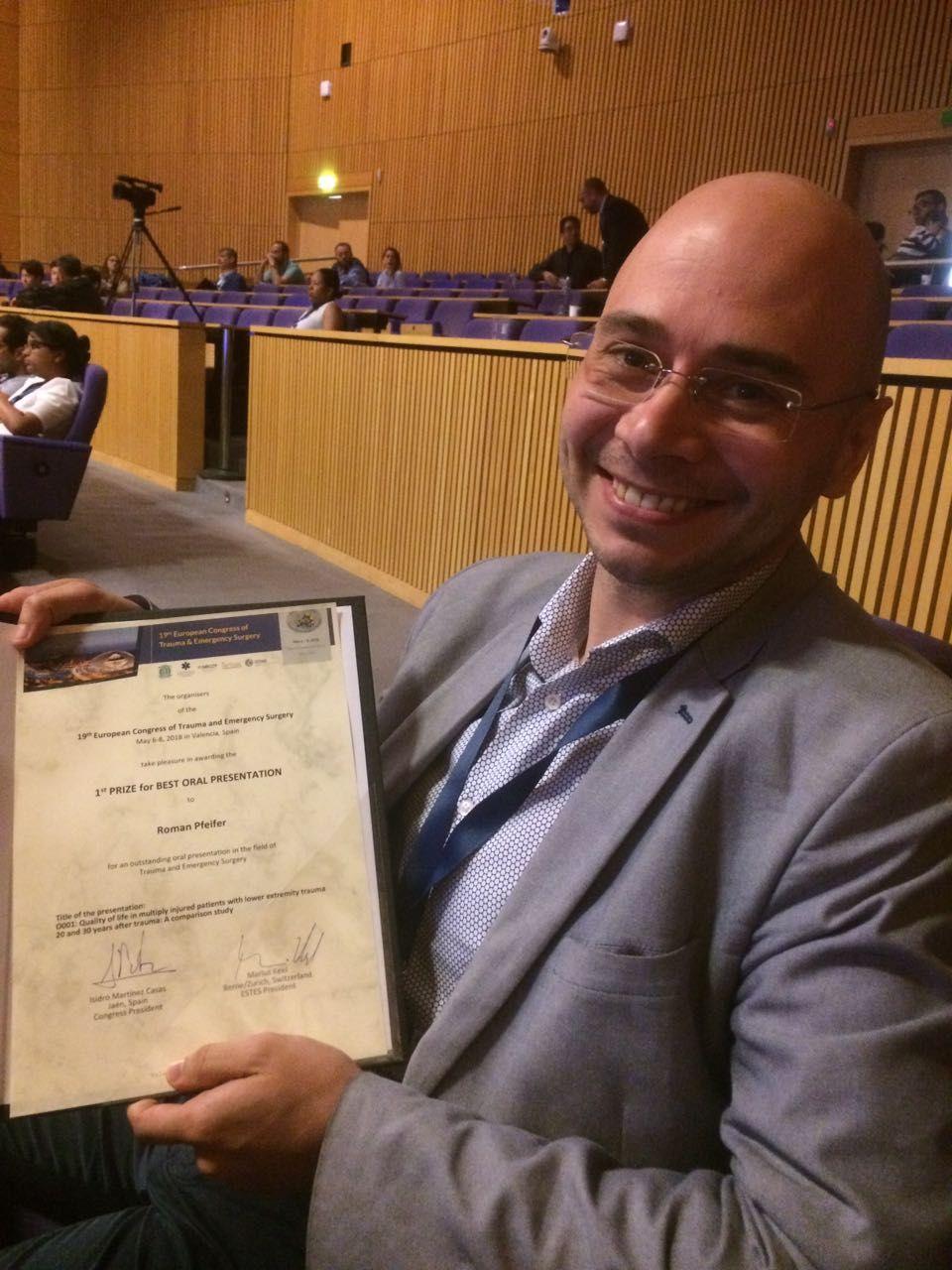 1st Prize Award for BEST ORAL PRESENTATION to PD Roman Pfeifer, M.D.